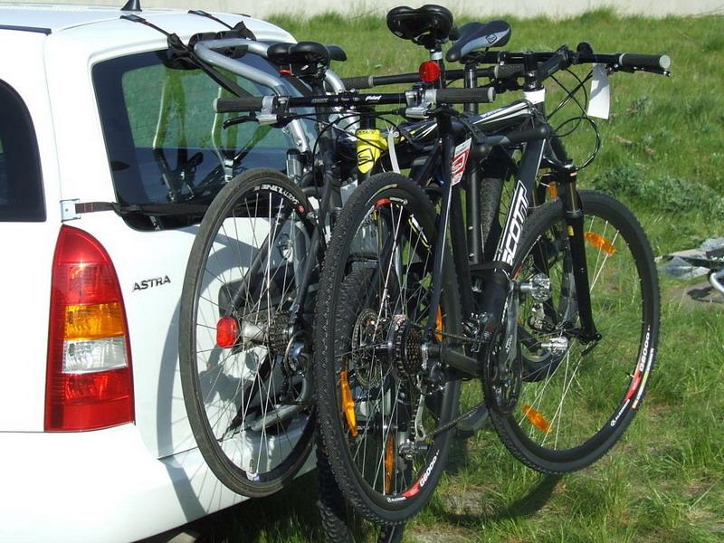 Велобагажник на заднюю дверь автомобиля