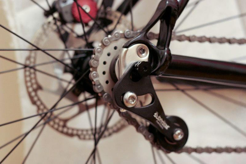 Регулирование натяжения цепи в велосипедах со скоростями