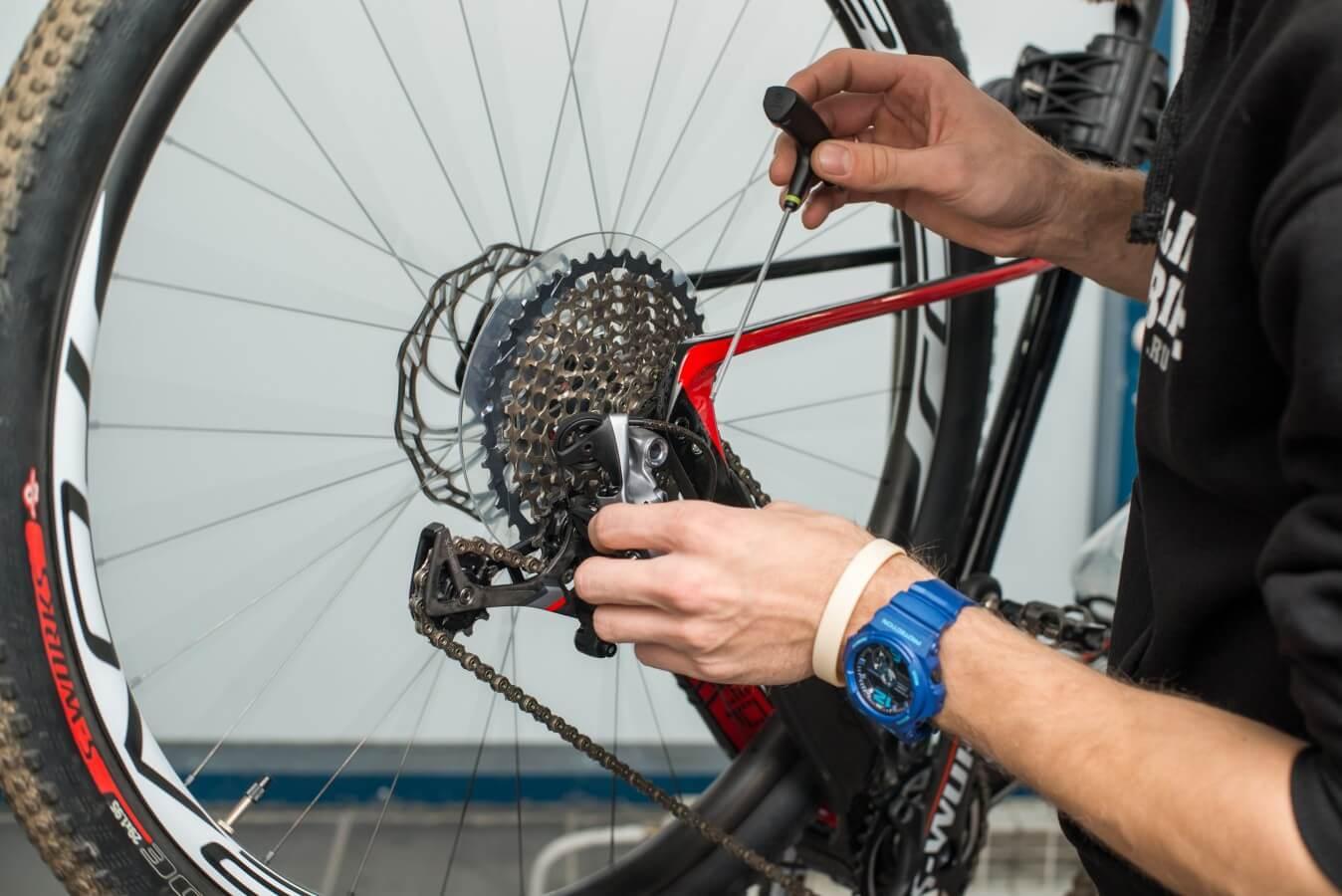 Картинки по запросу ремонт велосипеда своими руками